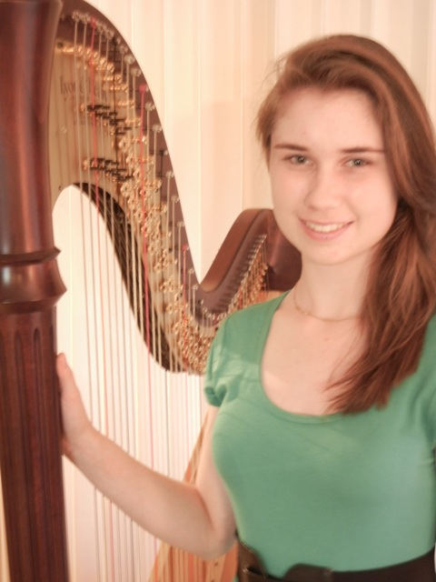 colleen murray with harp